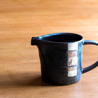 Black glazed pitcher (straight)