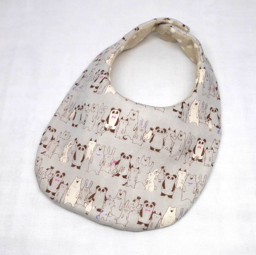 Japanese Handmade 4-layer-double gauze Baby Bib /queing animals