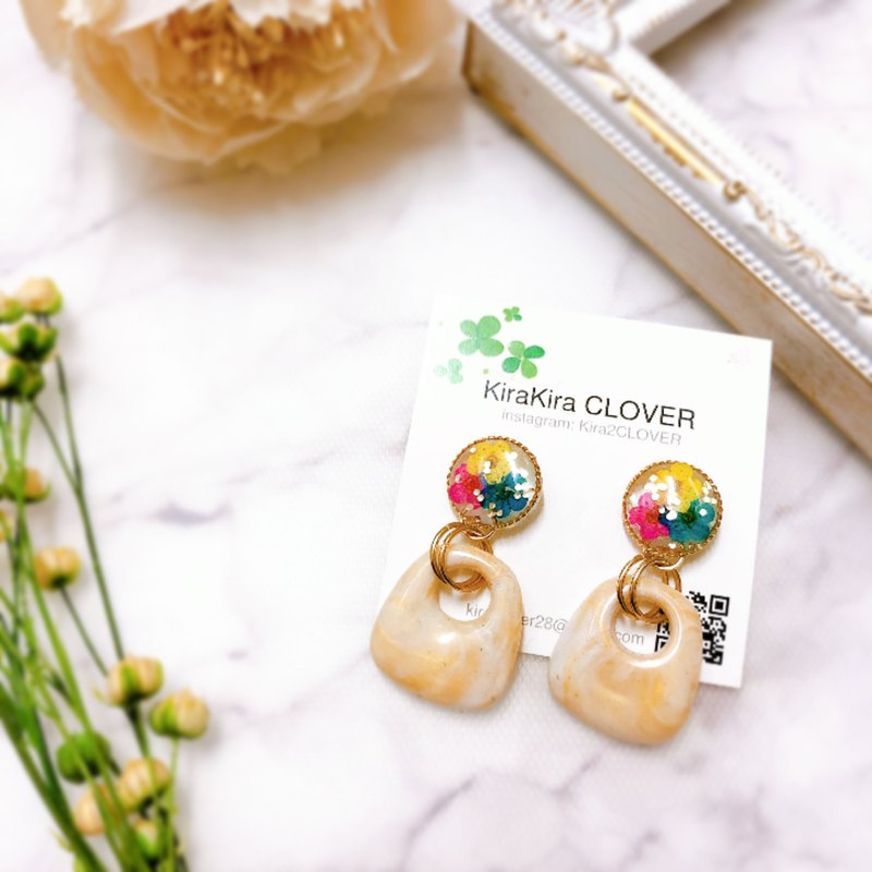 Real flowers yellow pink blue resin earrings