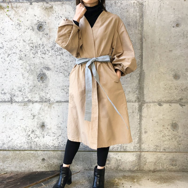 Big balloon sleeve coat