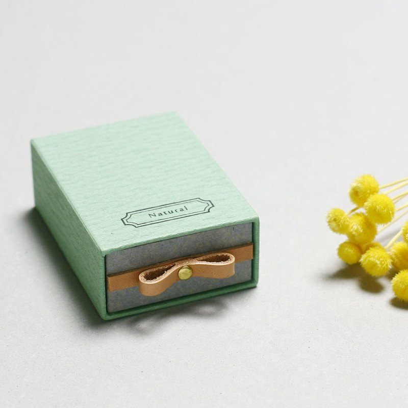 Natuarl // Mint) Sliding Box Leather ribbon small box to convey the feelings