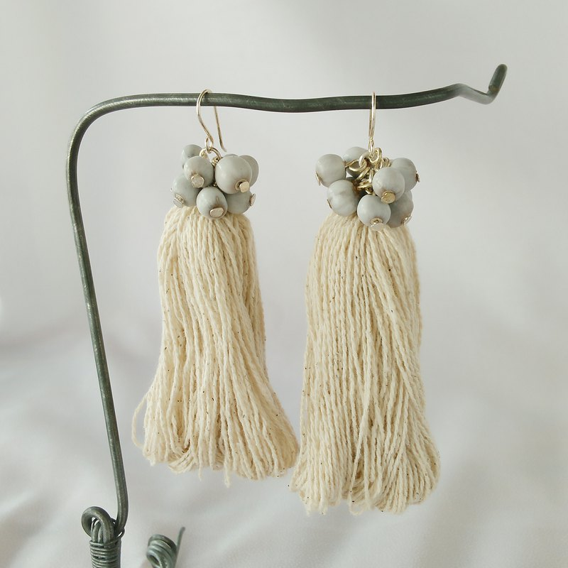 Fringe earring / natural white / cotton juzdama job's tears tassel