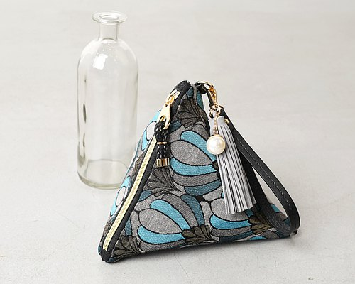Queen Blue Triangle Clutch Pouch