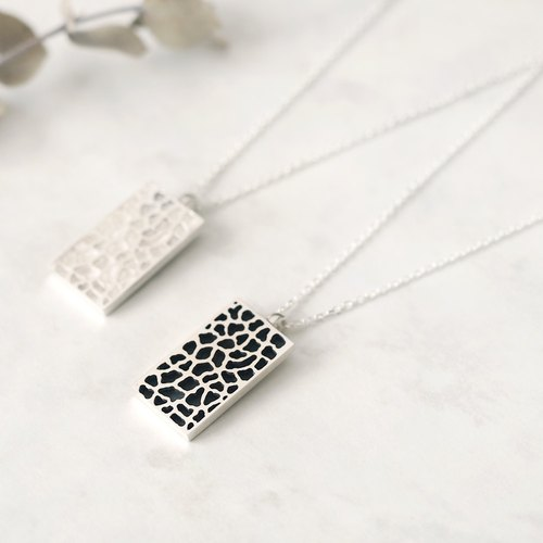 Giraffe pattern long necklace Silver 925