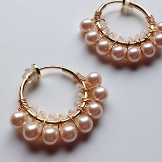 Rose quartz and vintage pearl hoop earrings Ear rare quartz and vintage pearl hoop earrings