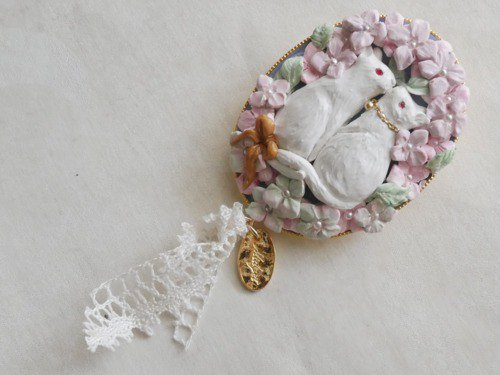 "Hydrangea and cat brooch ""online shop limited items"" free shipping"