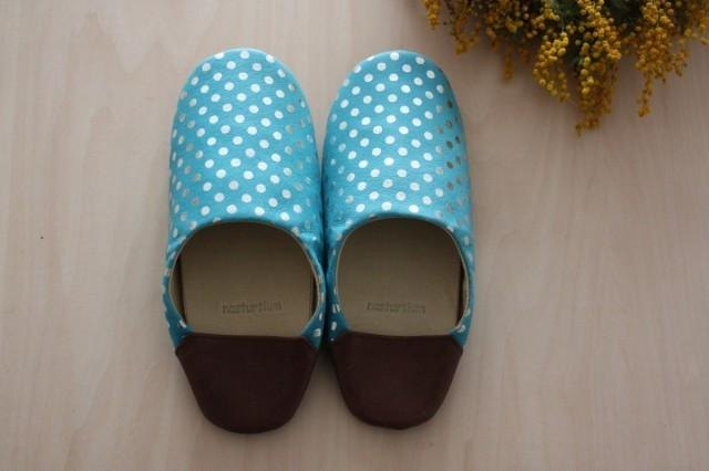 Baboosh polka dot light blue of pig skin (M)