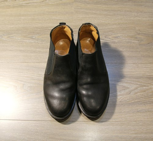 Back to Green:: Dr.Martens全黑(切尔西靴) vintage shoes