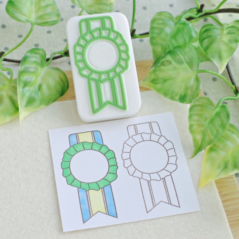 Vertical rosette stamp