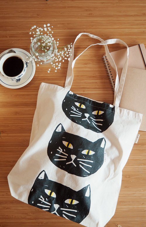 SMALL BAG HAND PRINT WITH BLACK CAT.