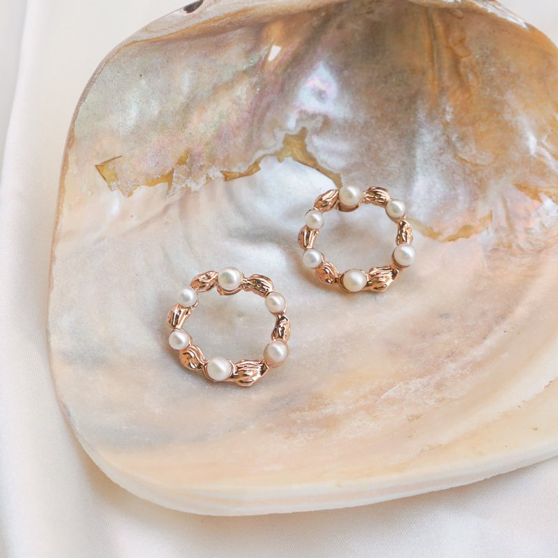 Circle sand wave earring