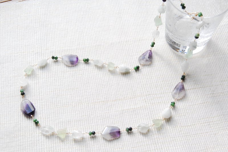 Cape amethyst and green stone necklace 14kgf