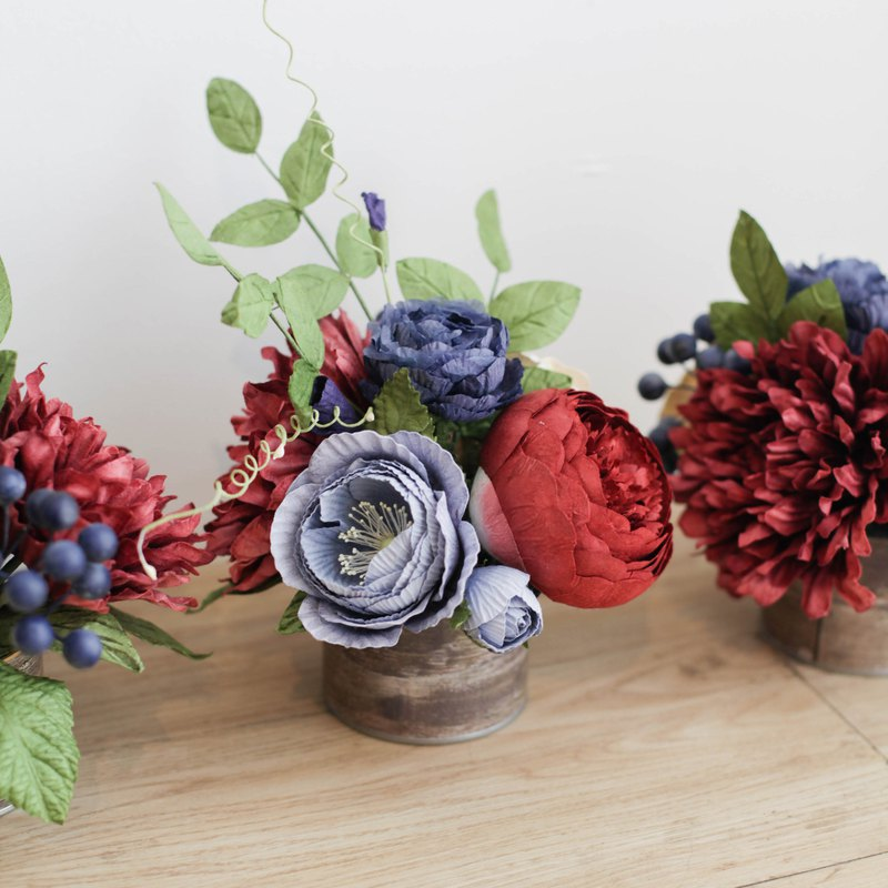 COPPER RED AND NAVY BLUE Aromatic Small Flower Gift Box