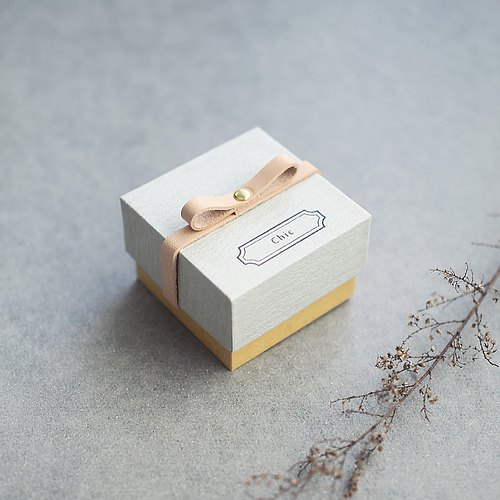 Chic // Gray) Sliding Box Leather ribbon small box to convey the feelings